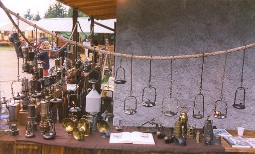 Lumi da comodino antichi antiche luci 2005 for Lumi da comodino